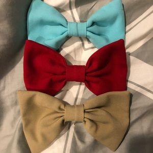 AMERICAN APPAREL bows set of 3